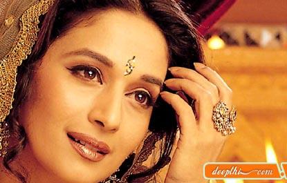 http://bollywood.deepthi.com/actress/actress-images/Madhuri-Dixit.jpg